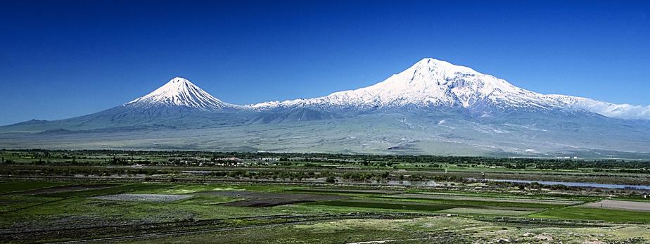 上部に雪が積もっているので富士山そっくり