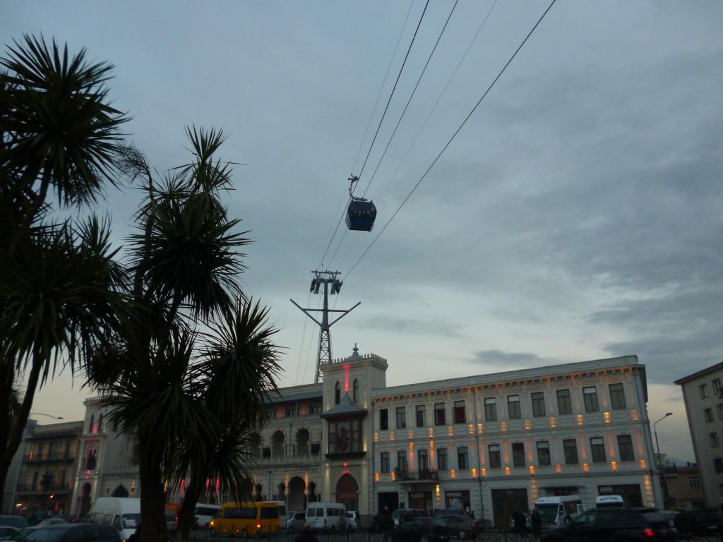 バトゥミの街中はロープウェイで移動できます