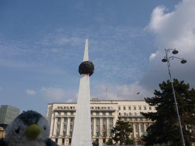 ルーマニア革命で亡くなった人々を祈るモニュメント。