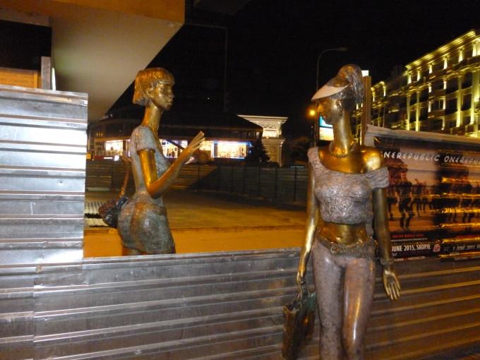 不気味で奇妙な銅像たち…(ごくり。
