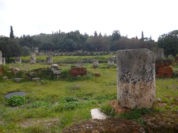 ギリシャには彼らが弁論していた場所、プラトンの学校などの跡地が残っています。哲学を勉強してギリシャに行くのも面白いですよ!