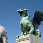 スロベニアの首都リュブリャナにドラゴンが降臨!