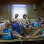 フィンランドのサウナは男女混合!サウナ後は海中水泳でデトックス!
