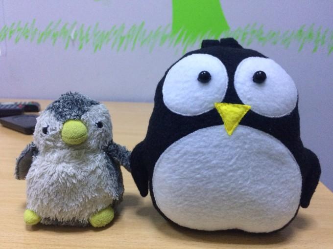 まさかの別れの時にペンギンのぬいぐるみを餞別にくれた!名前はイーラちゃん、しびちゃんのママはウクライナ出身だよ!