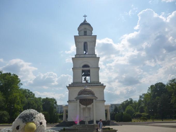 これは教会の前にある鐘だよ!