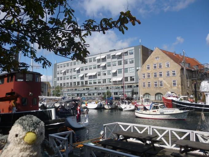 さてそれではクリスチャニアを目指そう!そにしてもコペンハーゲンの運河は美しい!