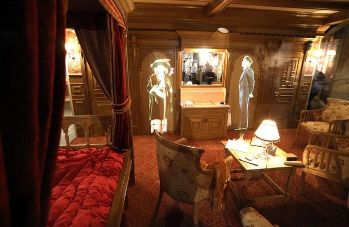 こちらはタイタニック号の客室の様子!