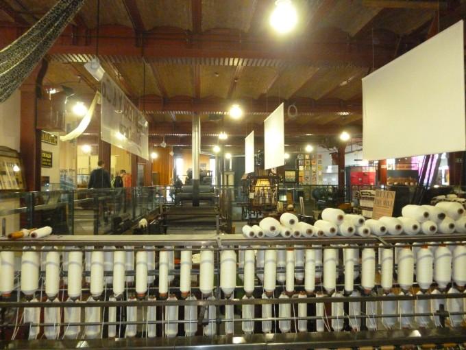 綿を加工するための機械だよ!