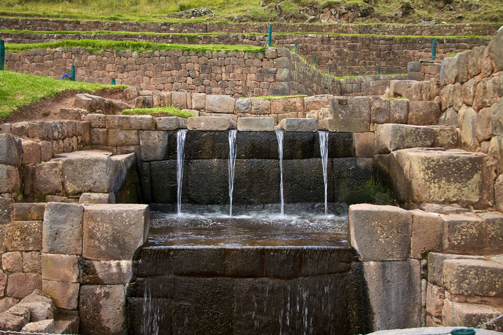 Tipón-water-channeling-Cusco-Sacred-Valley-Incan-Ruins